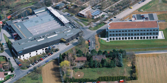 2004: over 20.000 m2 production area in Bietigheim-Bissingen